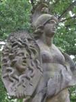 Athene_mit_Spiegelbild_der_Medusa_(Museumsberg,_Flensburg)