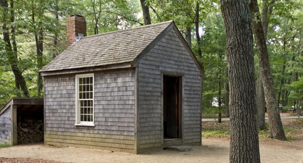 Replica_of_Thoreau's_cabin_near_Walden_Pond_and_his_statue
